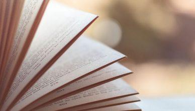 O-Feirense-Apresentou-o-Livro-que-Conta-a-História-dos-100-Anos-do-Clube